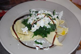 Ravioli with spinach and goats cheese