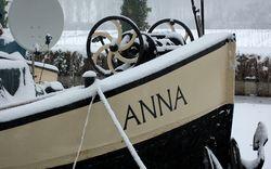 The good ship Anna behind us at Caumont