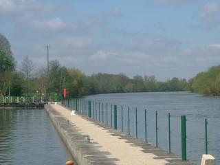1st lock to Joigny